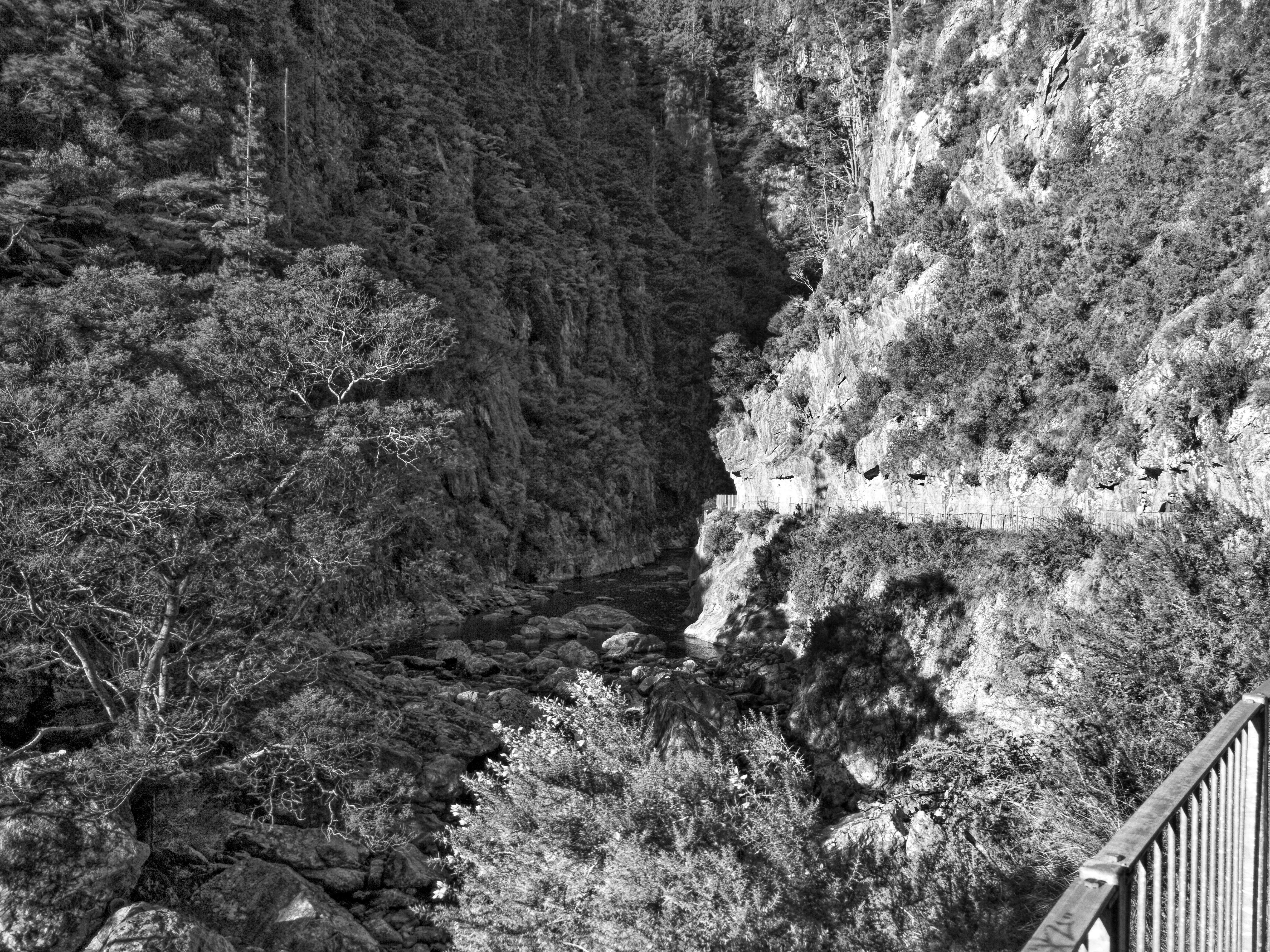 Karangahake Gorge passing between two mountains