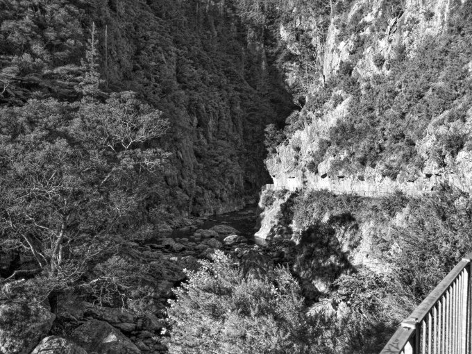 Karangahake Gorge passing between two mountains